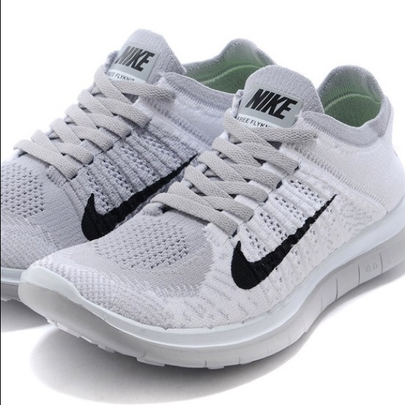 Nike Shoes - Nike Free Run